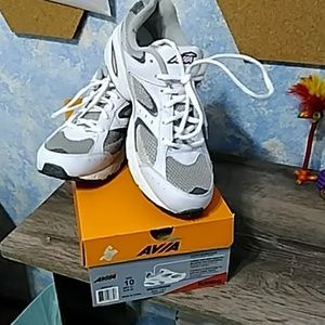 Avia womans running shoes